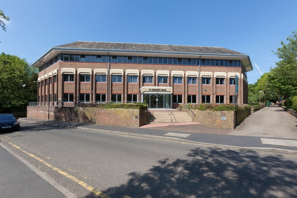 bricket news - Threadneedle Refurbishes 10 Bricket Road In St Albans And Agrees New Lease With PWC