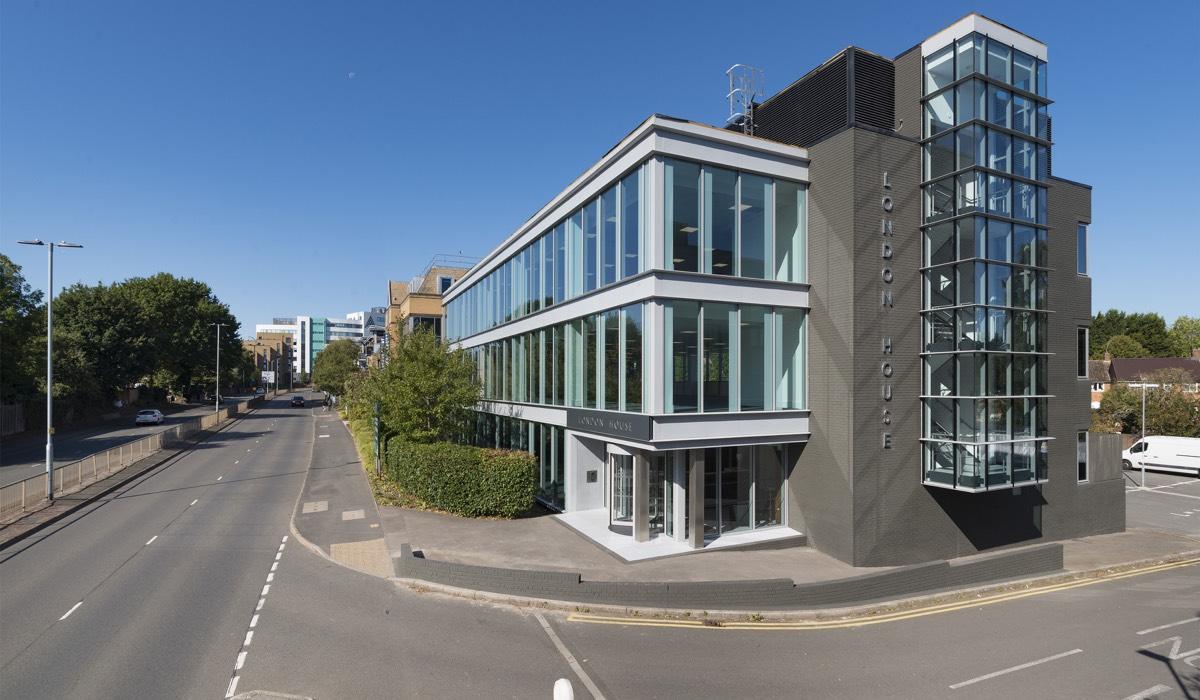 pic1 - London House, London Road, Bracknell RG12 2UT